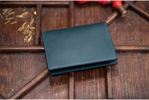 8e6de56aabd1 Passport holder in vegetable-tanned italian leather - Il Bussetto